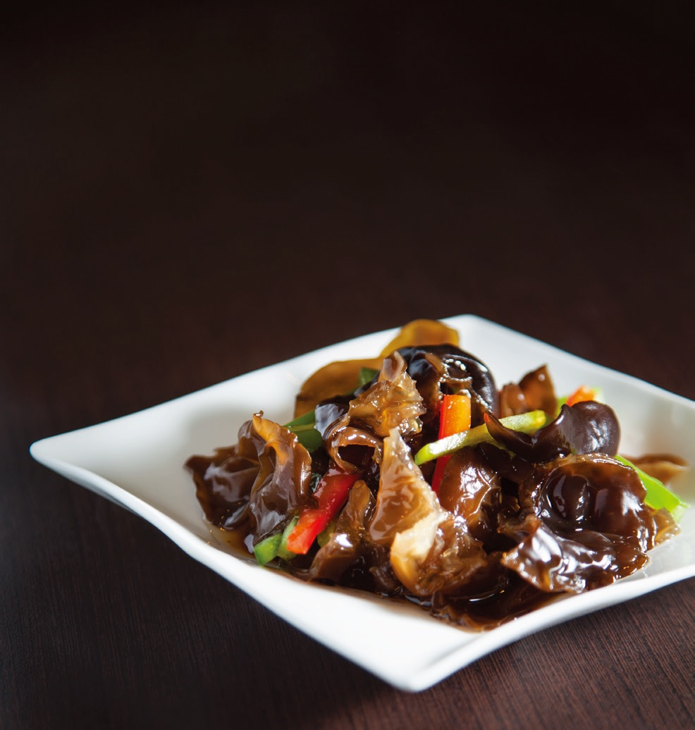 Black fungus mixed with vinegar and spicy sauce