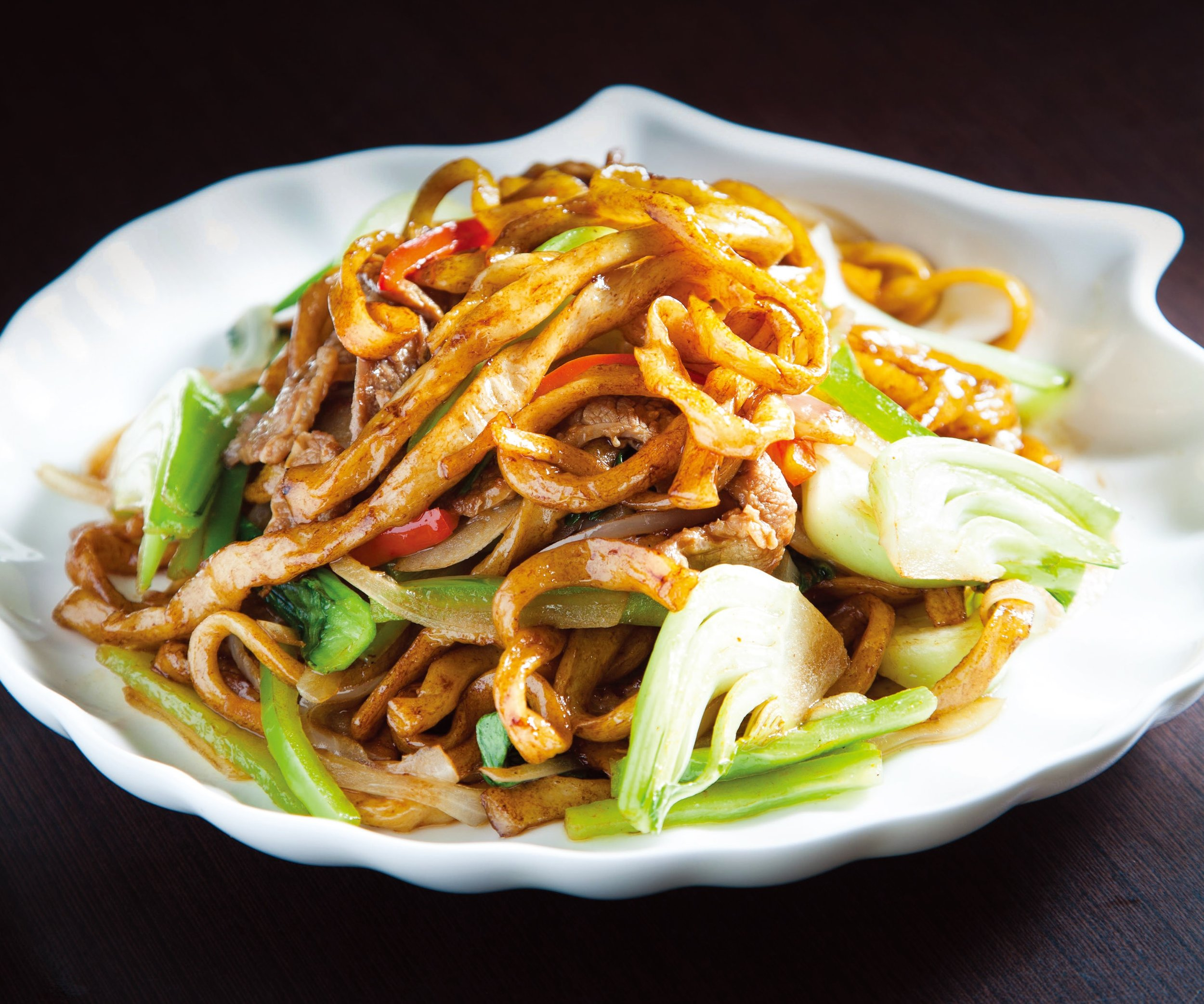 Stir fried hand made noodles with beef or lamb
