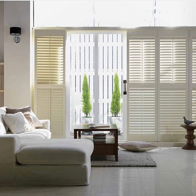 Plantation shutters add instant value to your home. Call @bestblindsla 📞 for a free quote today! ✨💫