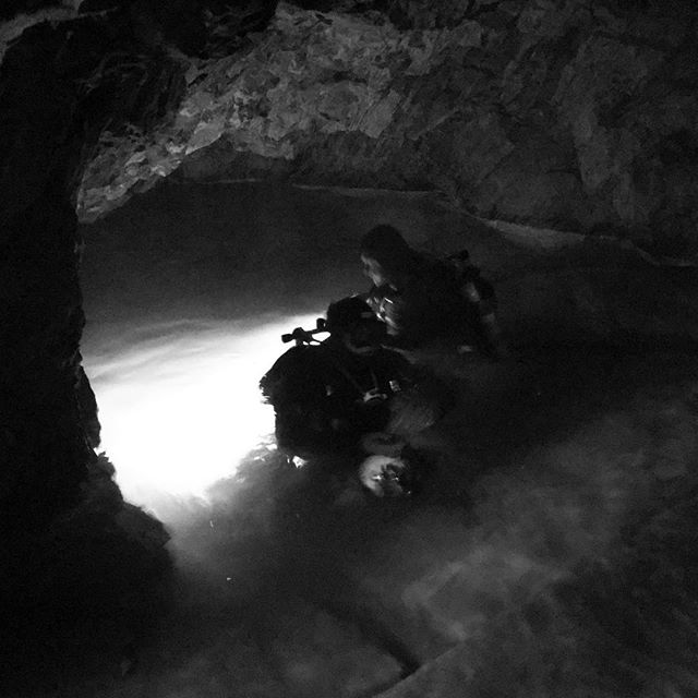 Yesterday we were diving in centrum of Kuopio. Nice tube with clear water. #cavediving #minediving #divessi #sidemountdiving #4kdive