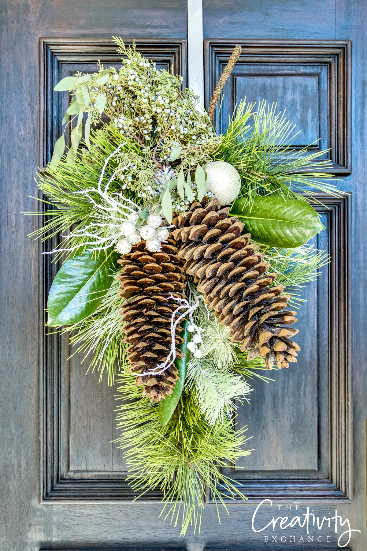 How I love using what you can find in nature.  This is such a nice alternative to a wreath.
