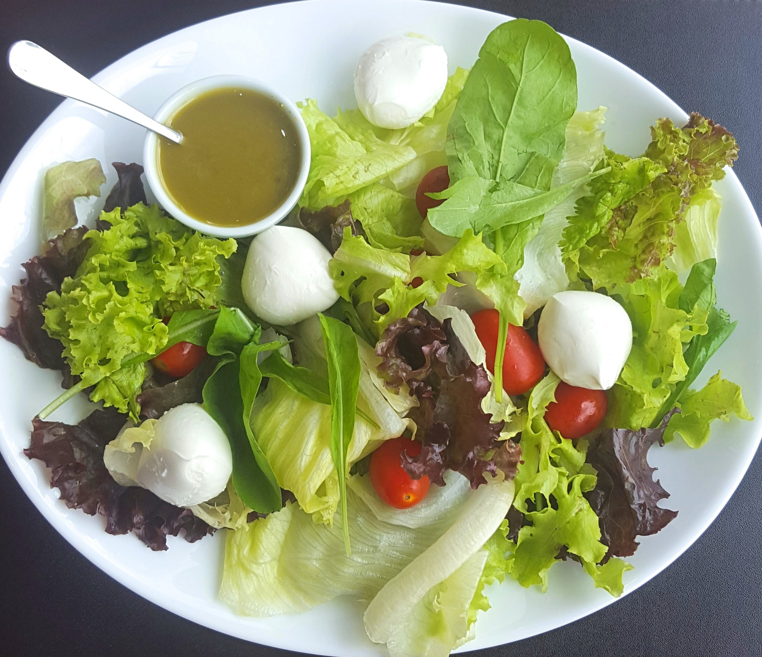 Salada Caprese Ajustado.jpg