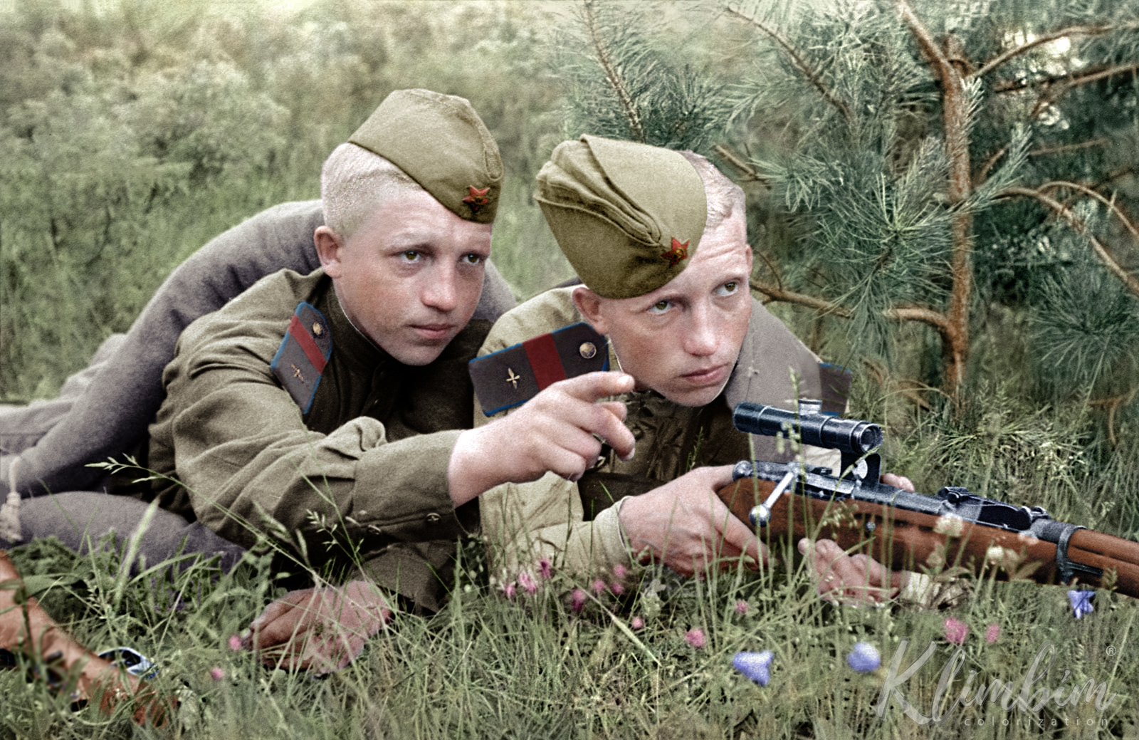 Young Soviet soldiers