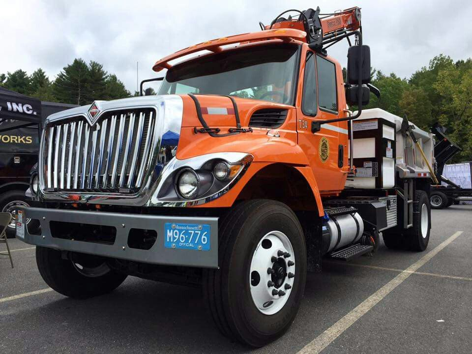 fitchburg dpw truck.jpg
