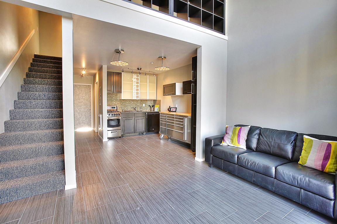 21_Skyloft_living-Kitchen1.jpg