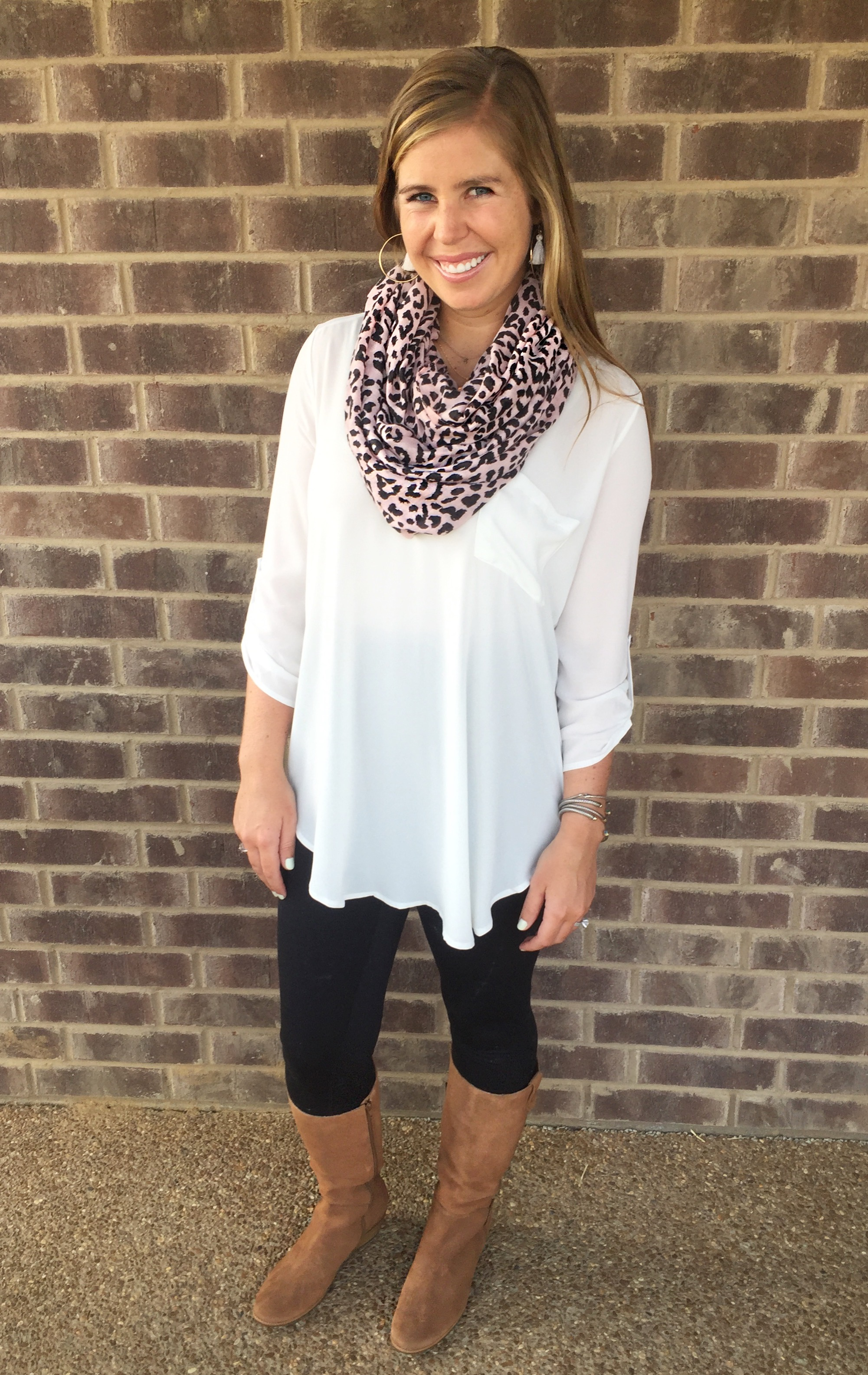 Outfit details:   Tunic  //  Leggings  //  Boots  //  Earrings  //  Scarf