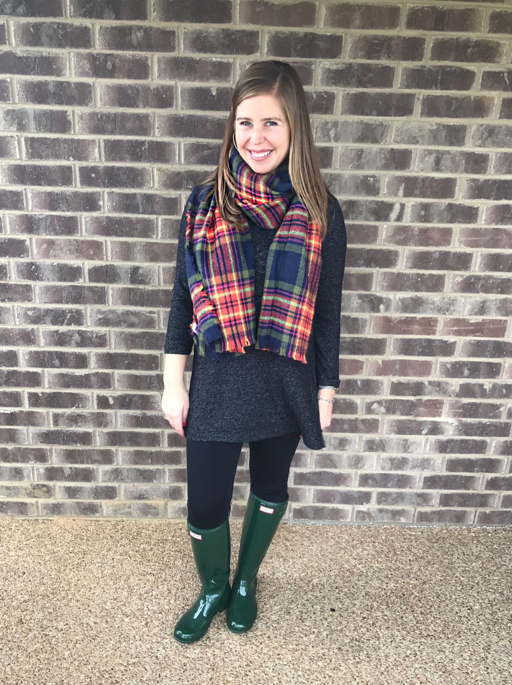 Outfit Details:   Plush turtleneck tunic  //  Leggings  //  Hunter boots  //  Scarf  //  Earrings