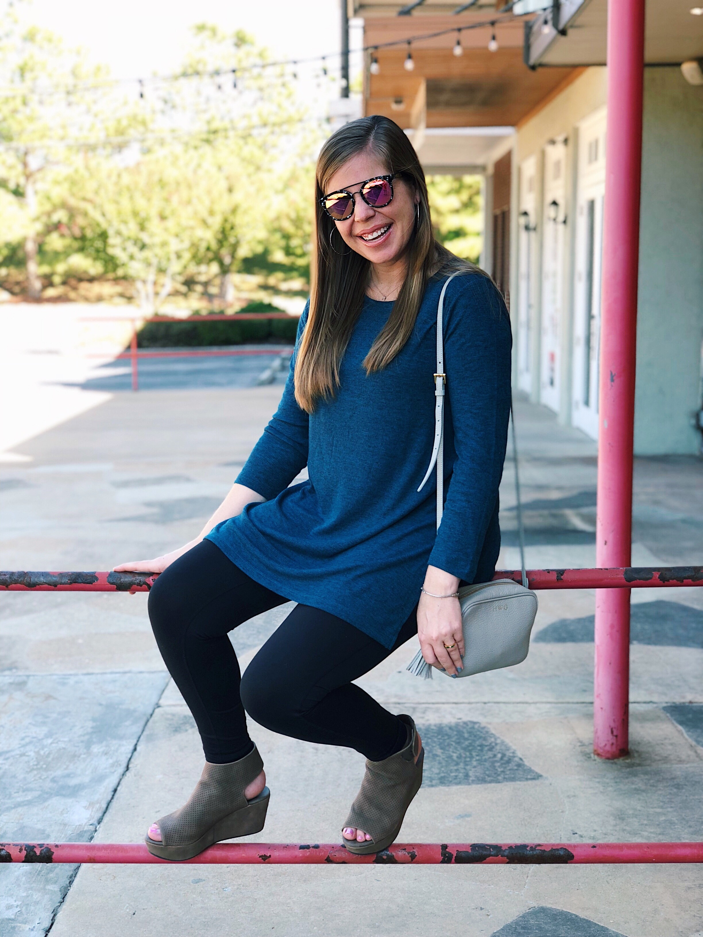 Teal Ribbed Tunic      //      DIFF Sunglasses