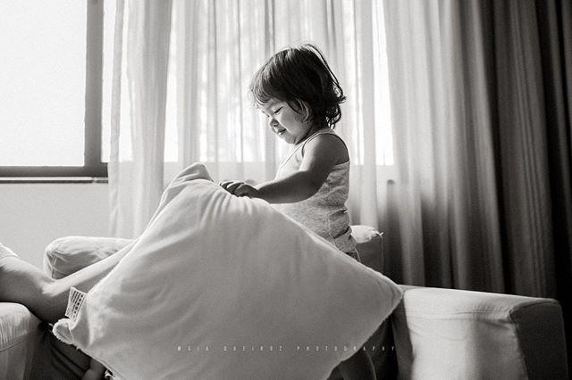 Bagunça no sofá da vovó! Sessão família!😍⠀⠀⠀⠀⠀⠀⠀⠀⠀ ⠀⠀⠀⠀⠀⠀⠀⠀⠀ .⠀⠀⠀⠀⠀⠀⠀⠀⠀ .⠀⠀⠀⠀⠀⠀⠀⠀⠀ .⠀⠀⠀⠀⠀⠀⠀⠀⠀ .⠀⠀⠀⠀⠀⠀⠀⠀⠀ .⠀⠀⠀⠀⠀⠀⠀⠀⠀ .⠀⠀⠀⠀⠀⠀⠀⠀⠀ .⠀⠀⠀⠀⠀⠀⠀⠀⠀ .⠀⠀⠀⠀⠀⠀⠀⠀⠀ .⠀⠀⠀⠀⠀⠀⠀⠀⠀ .⠀⠀⠀⠀⠀⠀⠀⠀⠀ .⠀⠀⠀⠀⠀⠀⠀⠀⠀ .⠀⠀⠀⠀⠀⠀⠀⠀⠀ .⠀⠀⠀⠀⠀⠀⠀⠀⠀ .⠀⠀⠀⠀⠀⠀⠀⠀⠀ .⠀⠀⠀⠀⠀⠀⠀⠀⠀ .⠀⠀⠀⠀⠀⠀⠀⠀⠀ .⠀⠀⠀⠀⠀⠀⠀⠀⠀ .⠀⠀⠀⠀⠀⠀⠀⠀⠀ .⠀⠀⠀⠀⠀⠀⠀⠀⠀ .⠀⠀⠀⠀⠀⠀⠀⠀⠀ .⠀⠀⠀⠀⠀⠀⠀⠀⠀ .⠀⠀⠀⠀⠀⠀⠀⠀⠀ .⠀⠀⠀⠀⠀⠀⠀⠀⠀ .⠀⠀⠀⠀⠀⠀⠀⠀⠀ .⠀⠀⠀⠀⠀⠀⠀⠀⠀ .⠀⠀⠀⠀⠀⠀⠀⠀⠀ .⠀⠀⠀⠀⠀⠀⠀⠀⠀ .⠀⠀⠀⠀⠀⠀⠀⠀⠀ .⠀⠀⠀⠀⠀⠀⠀⠀⠀ .⠀⠀⠀⠀⠀⠀⠀⠀⠀ #fotografiabrasilia #brasilia #brasiliadf #maesamigasdf #familiabrasilia #familiabsb #bebêsdebrasília #maternidadebrasilia #ensaionewbornbrasilia #lagosul #lagonorte #newbornbsb #ensaiodefamiliabsb  #maesdf #bebesdebrasilia  #mãesdebrasilia  #fotografiabrasilia  #thephotographerwithin #recemnascidobrasilia  #unraveledacademy  #fotografosdebrasilia #fotografiainfantilbsb #gravidasbrasilia #ensaiogestantebrasilia⠀⠀⠀⠀⠀⠀⠀⠀⠀ #newbornbrasilia #gravidasdebrasilia  #fotografosdf  #fotografodebrasilia  #gestantedf  #gestantebrasilia