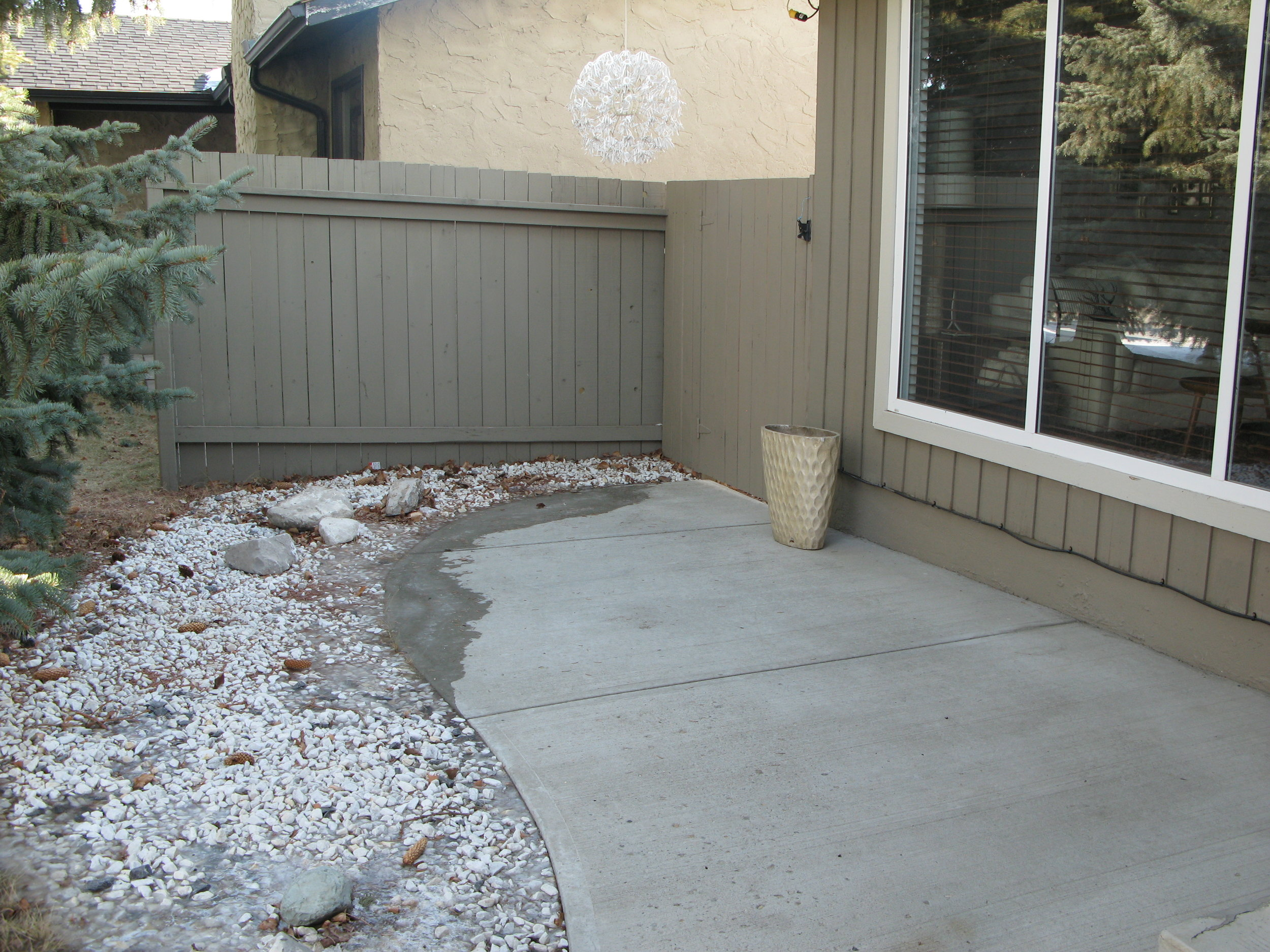 front entryway before (home 1)