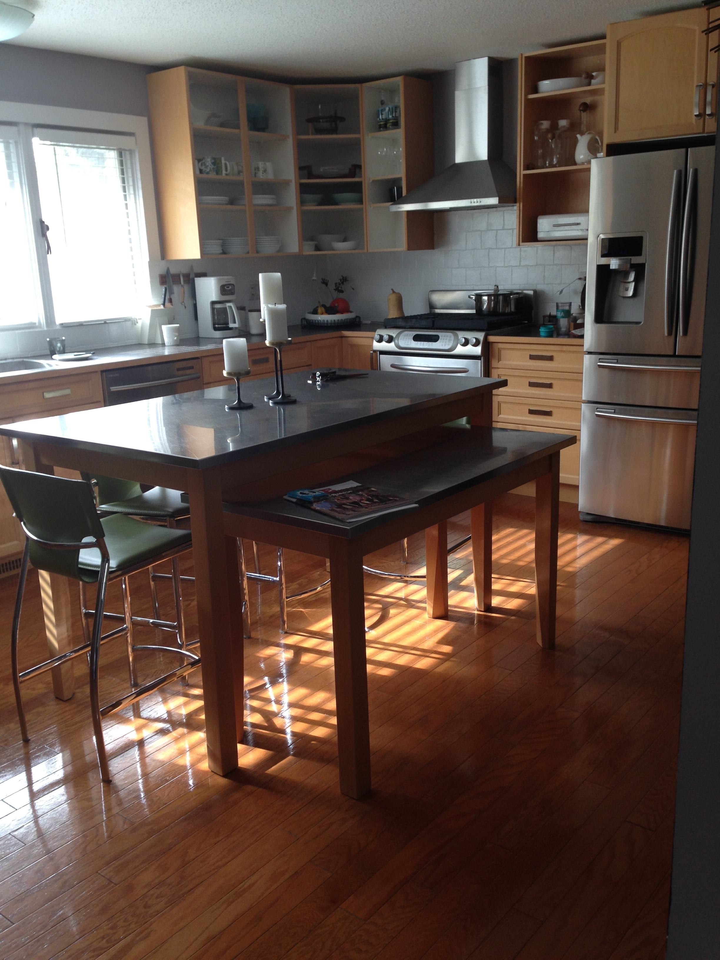 kitchen before (home 2)