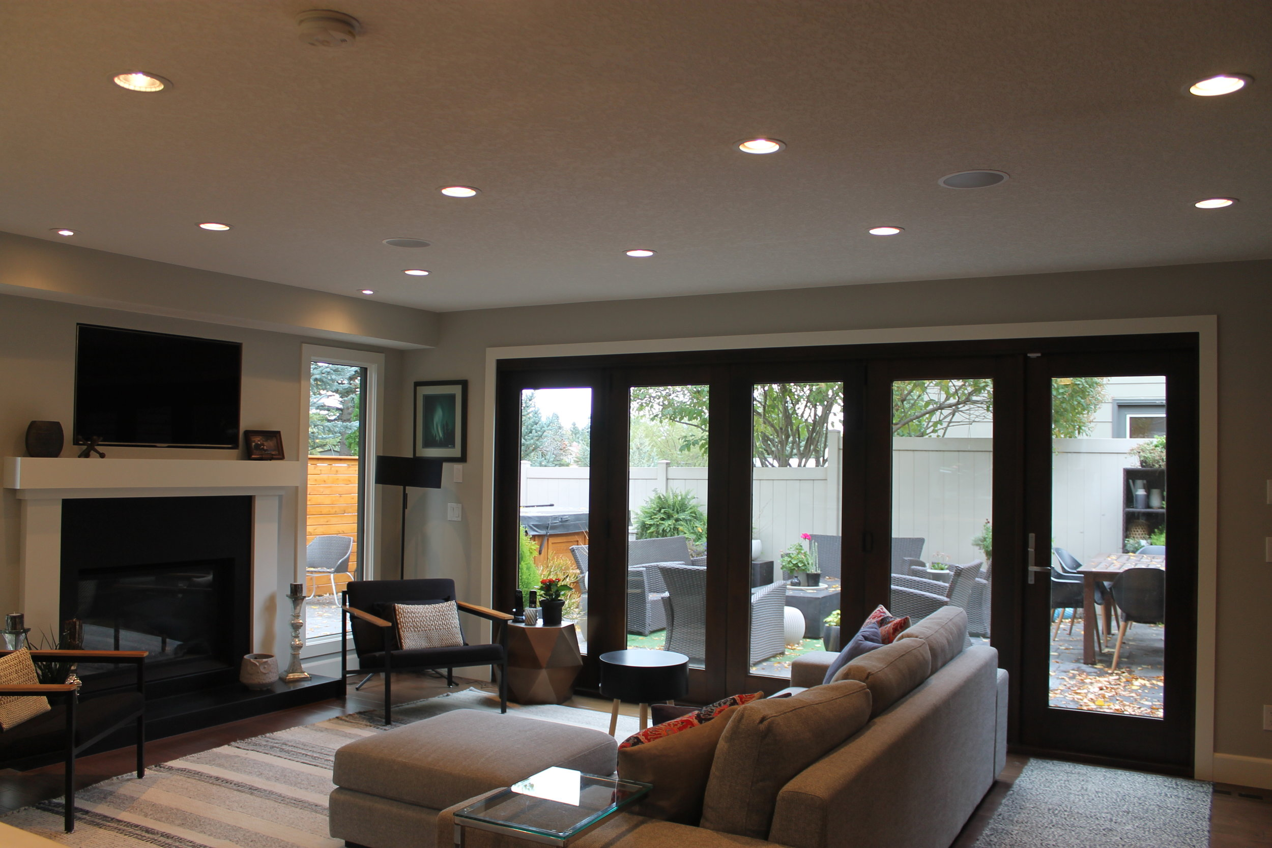 family room after (home 1)