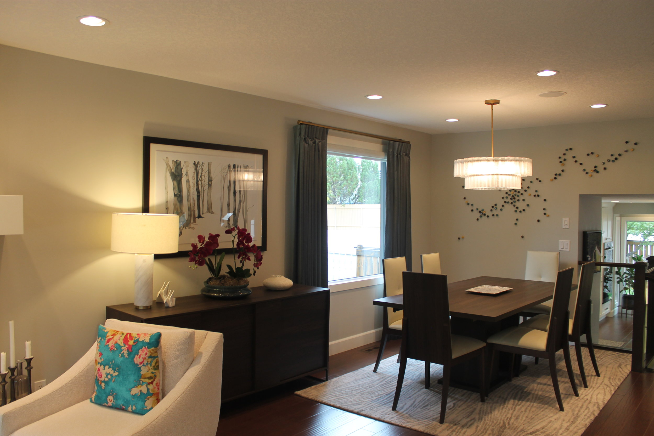 dining room (home 1)