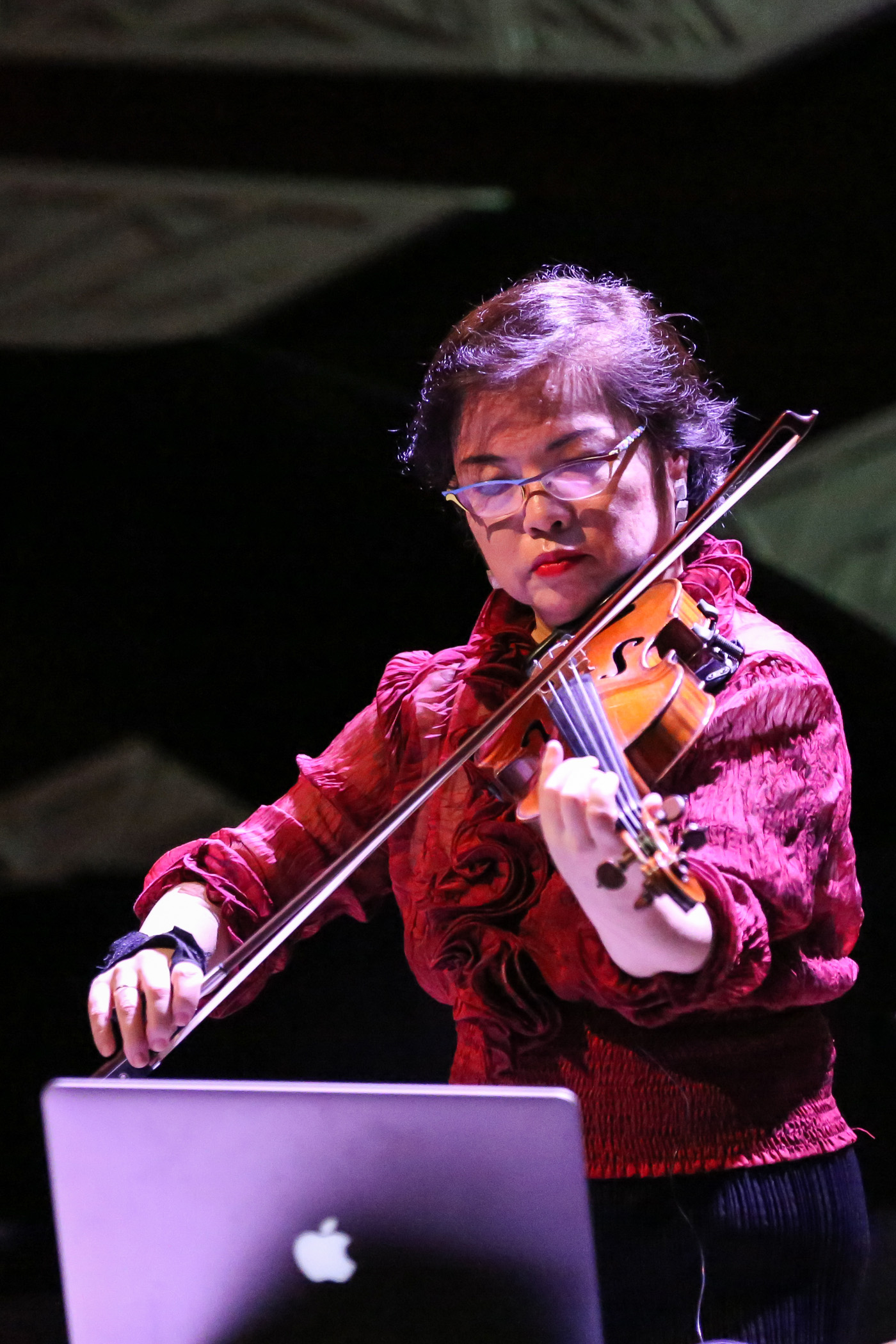 Faculty member Mari Kimura performs her composition  Canon Élastique f or violin, electronics and motion sensor at National Sawdust in Brooklyn   —NMFS 2017