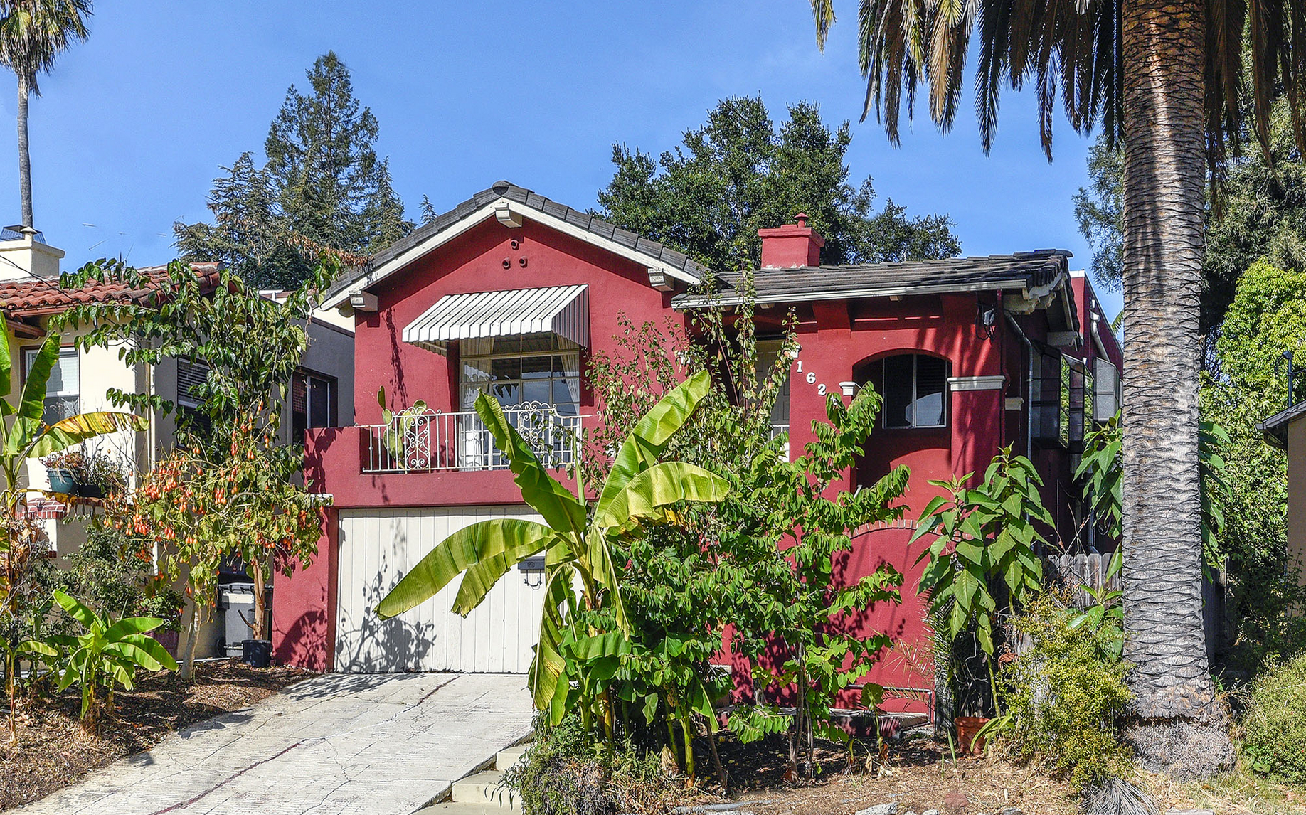 1626 Hampel St., Oakland   3 Bed - 2 Bath + 1 Bed - 1 Bath In Law  $900,000  Represented: Seller