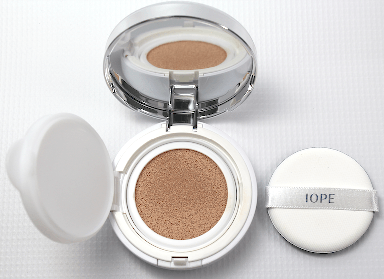 Iope-Air-Cushion-Foundation-N21-Natural-Vanilla.png