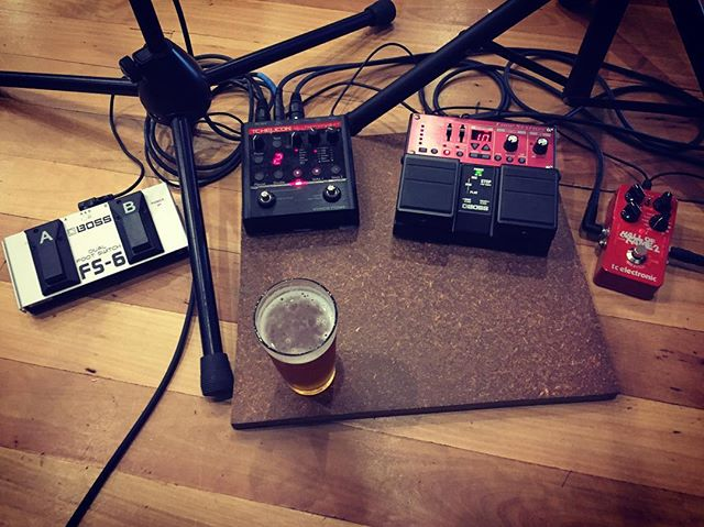 Tonight's board features my new #tchelicon #halloffame2 - looking forward to giving the Shim a little play! Happy Weekend everyone #geelongmusic #geelongbands #giglife #musicislife #bosspedals #takamineguitars #soloacoustic