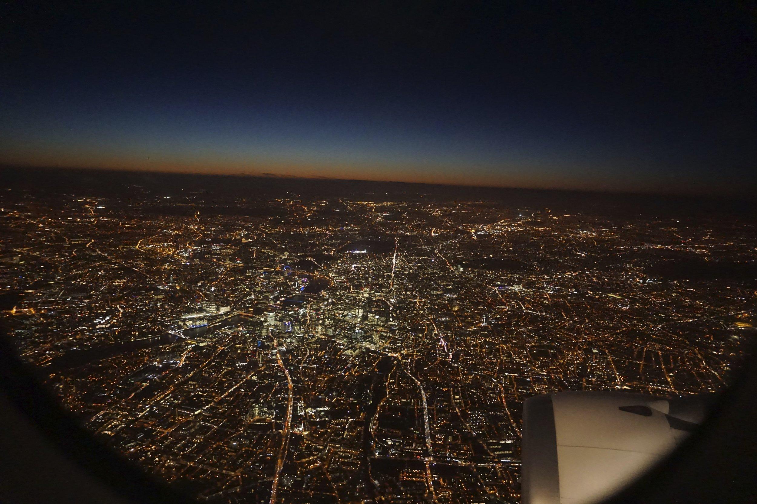 Flying-into-London.jpg