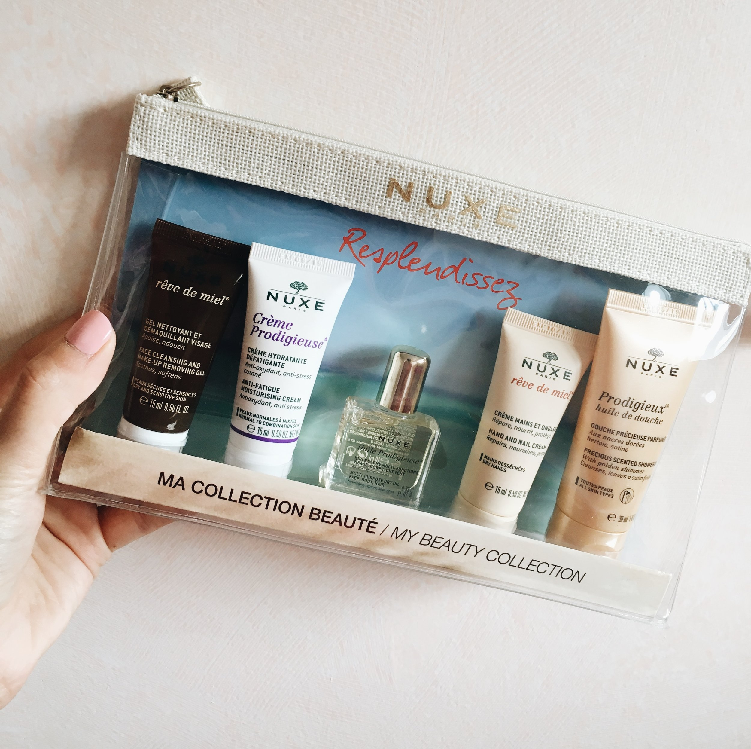 I'm a big fan of French beauty products Nuxe and this mini versions were perfect for my plane ride!