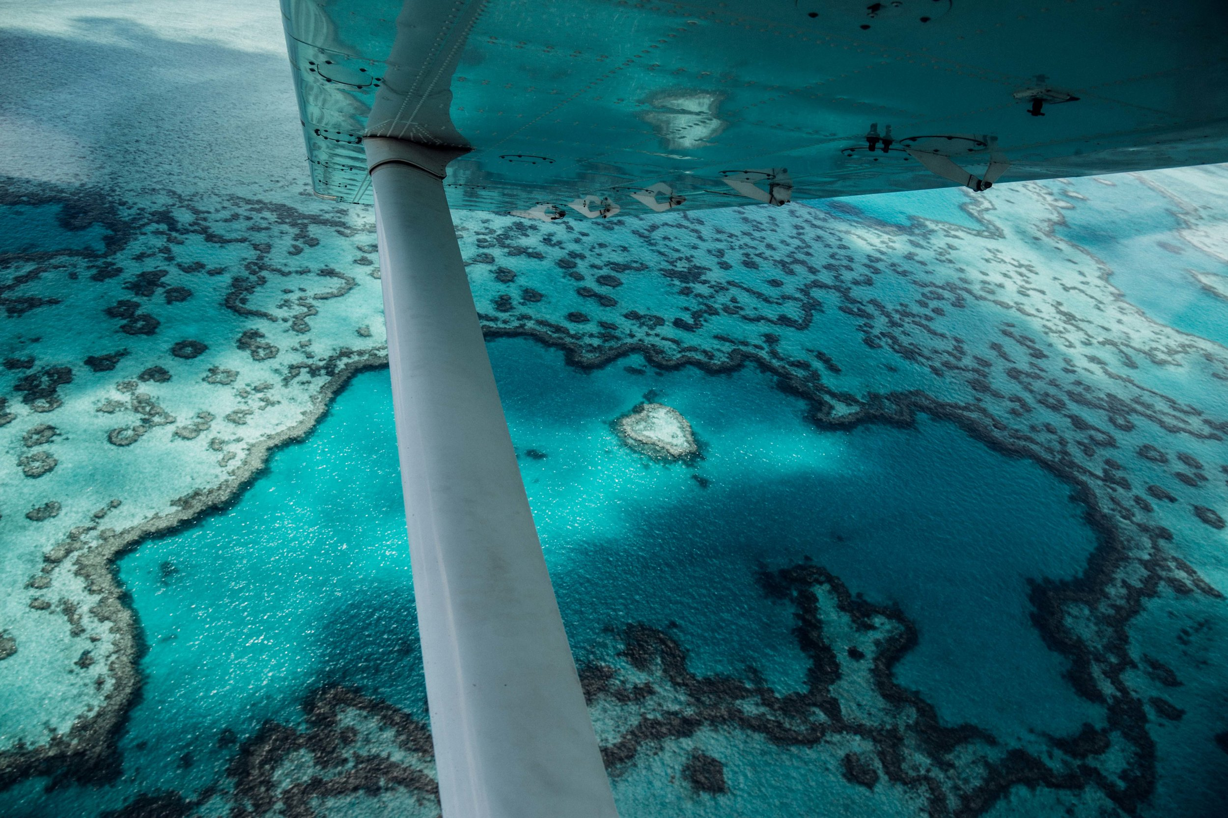 Flying over the Whitsundays and Great Barrier Reef. Photo: Marine Raynard.