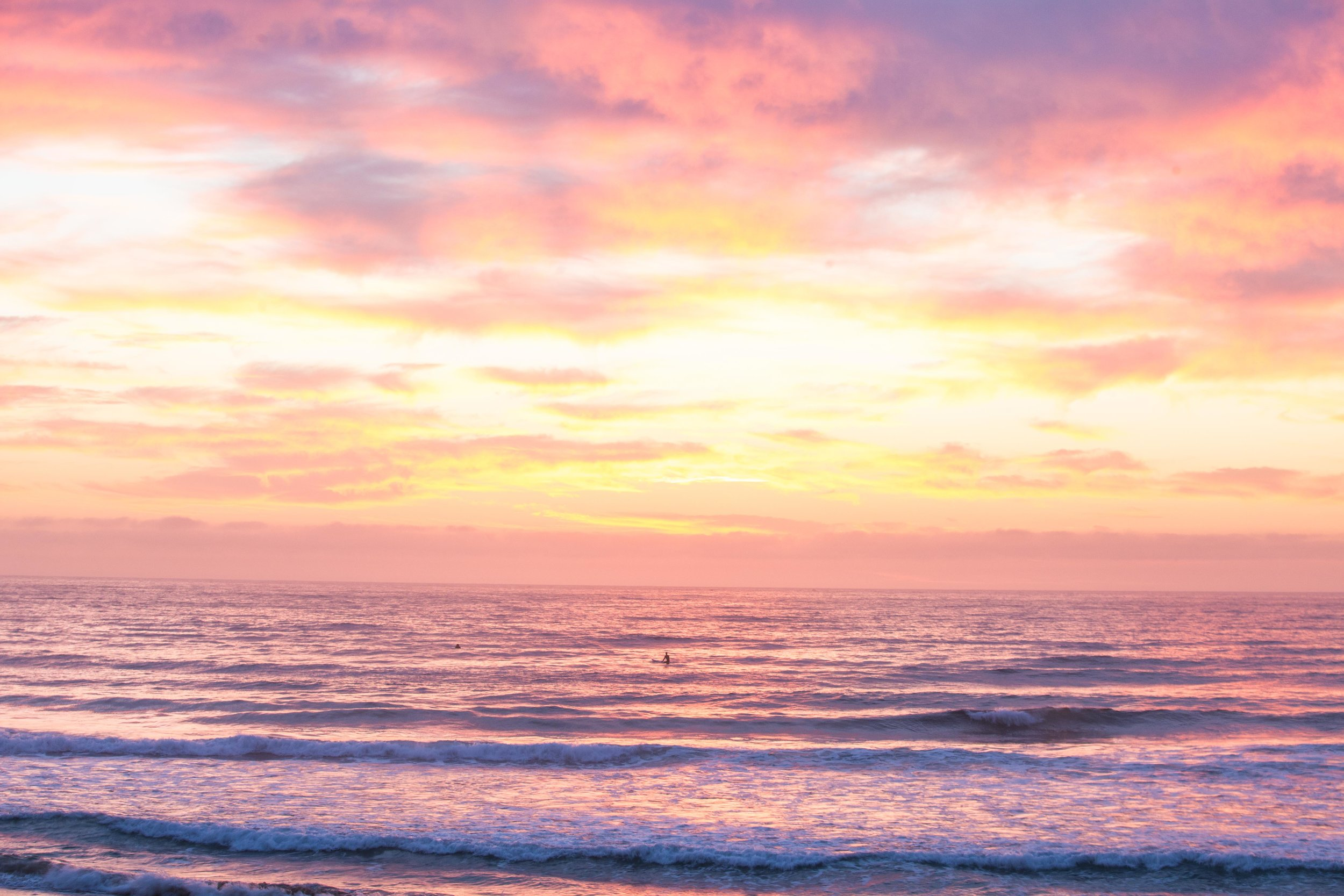 Pink sunrise in Manly beach. Photo: Marine Raynard