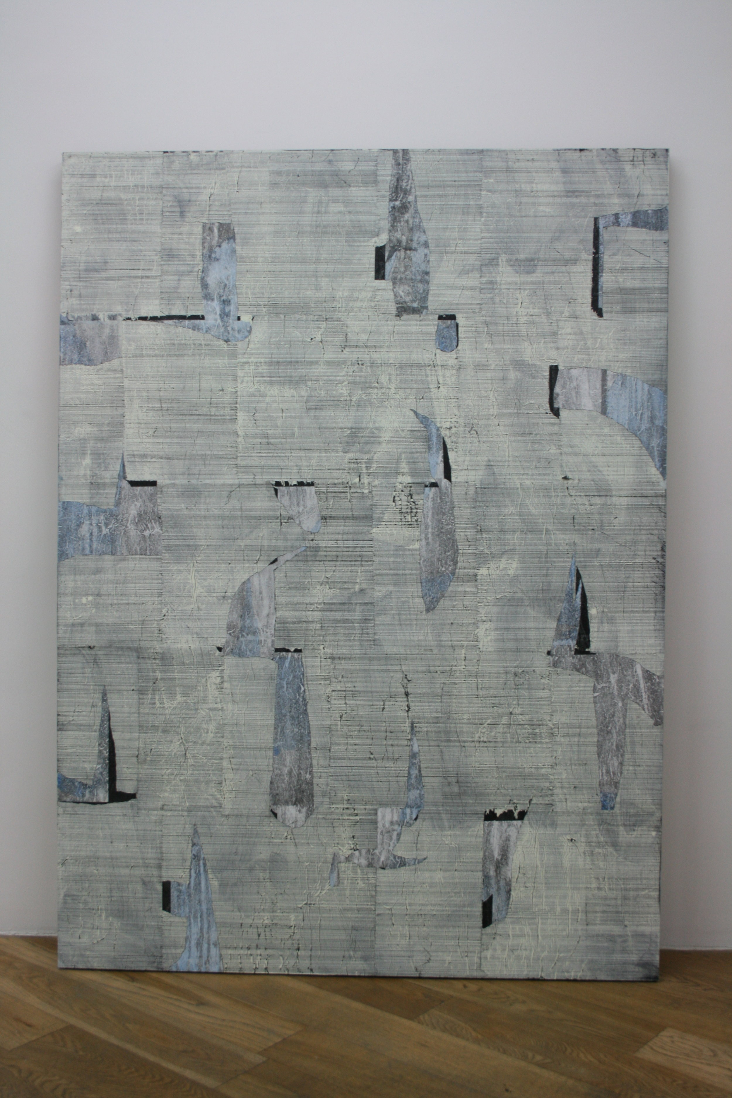 SANS TITRE - Alexandra Hopf (?) - Lés de papier carbone montés sur un fond en Plexiglas® et rehaussés de peinture gouache.