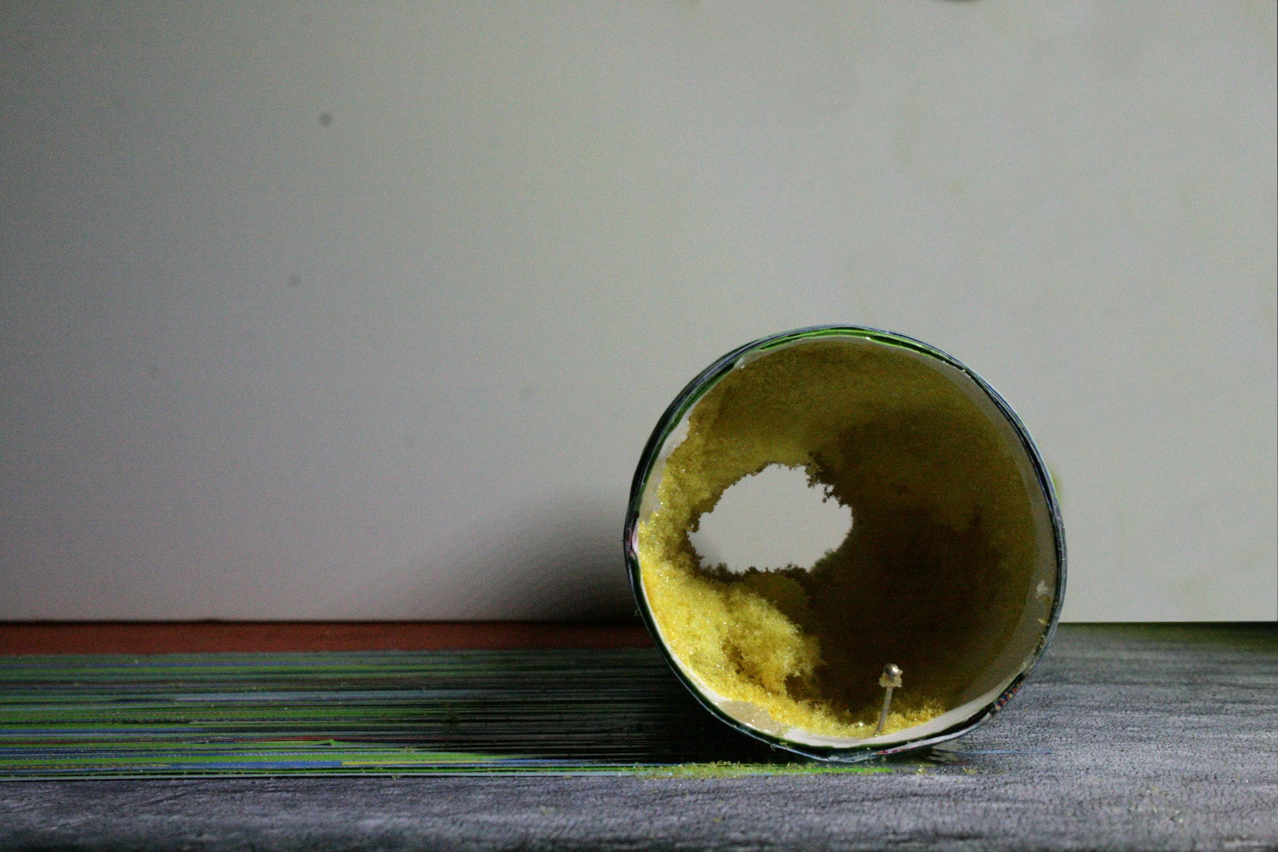 Retrait de la mousse (résidus de l'ancien rouleau à peindre)