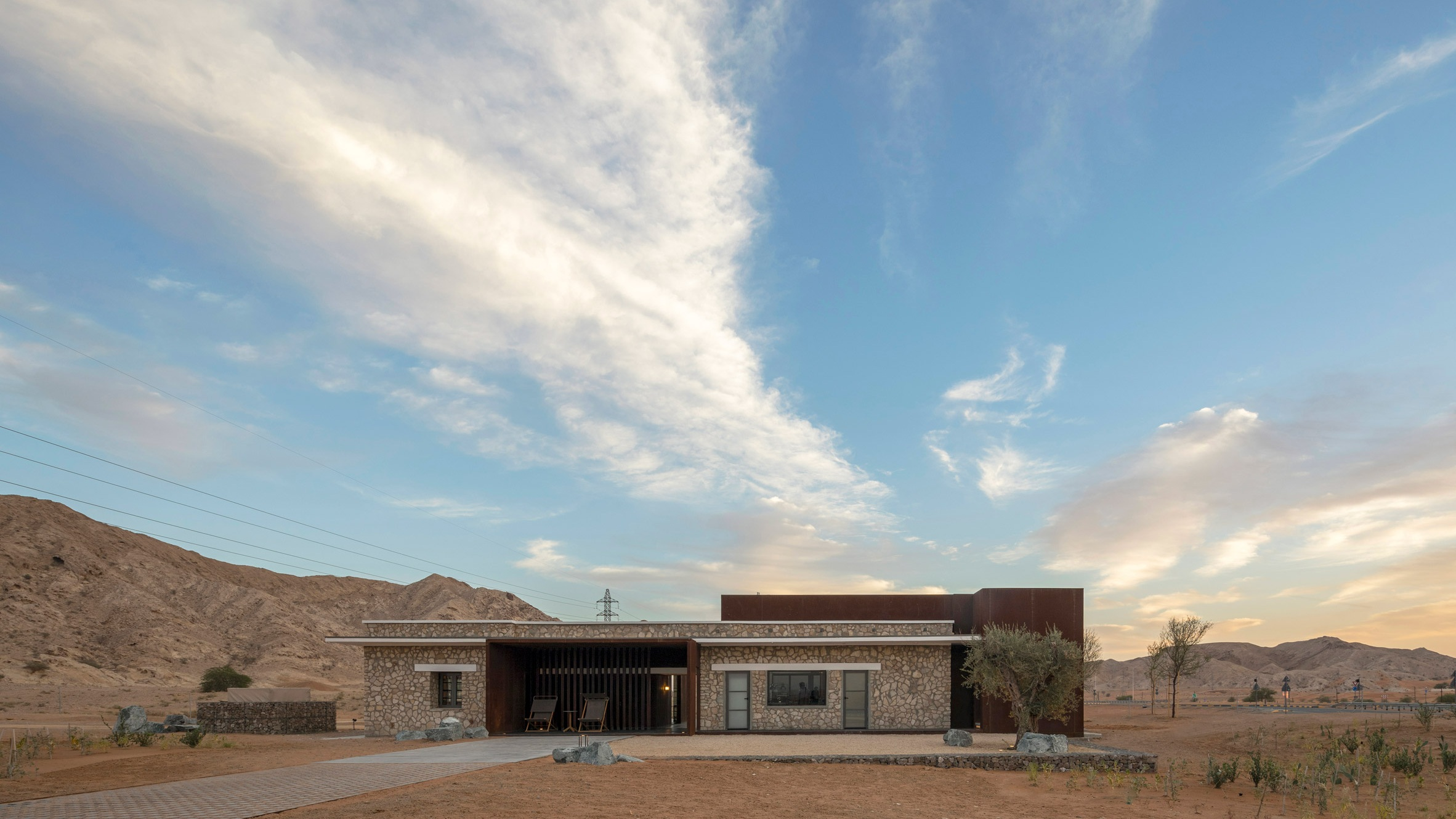 al-faya-lodge-anarchitects-architecture-photography-fernando-guerra-_dezeen_2364_col_14.jpg