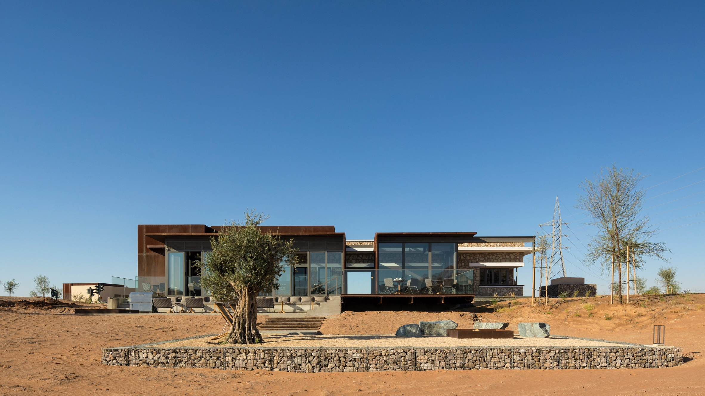 al-faya-lodge-anarchitects-architecture-photography-fernando-guerra-_dezeen_2364_col_19.jpg