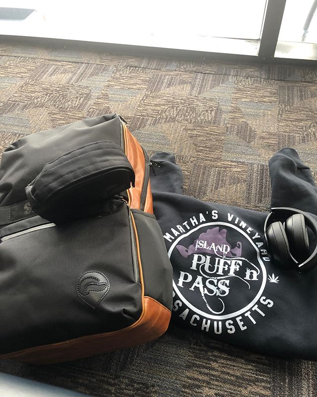 @its_just_chaos doesn't fly without his @skunkbags . #cannabis #cannabiscommunity #smellproof #lockable #security #noproblems  #shop #mainstreet #vineyardhaven #marthasvineyard #outlawchaos