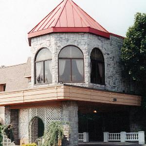 Victorian Manor - Edison