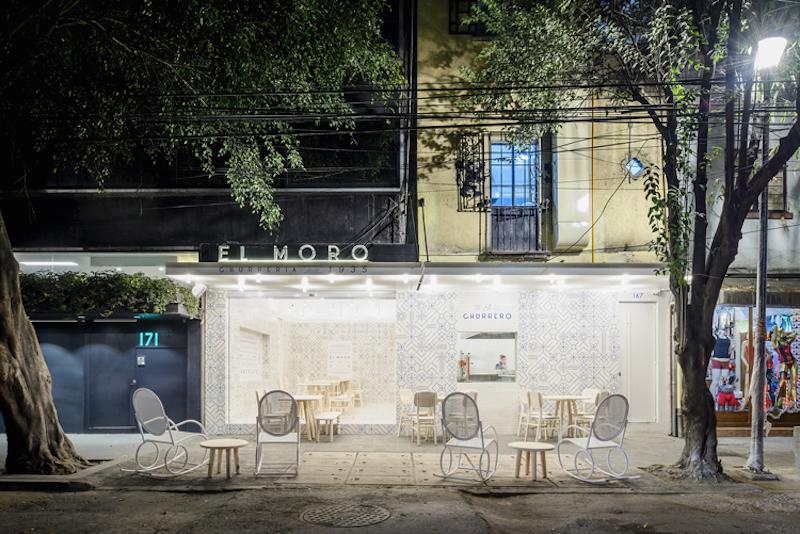 heavenly-white-and-blue-churreria-el-moro-in-mexico-city-2.jpeg