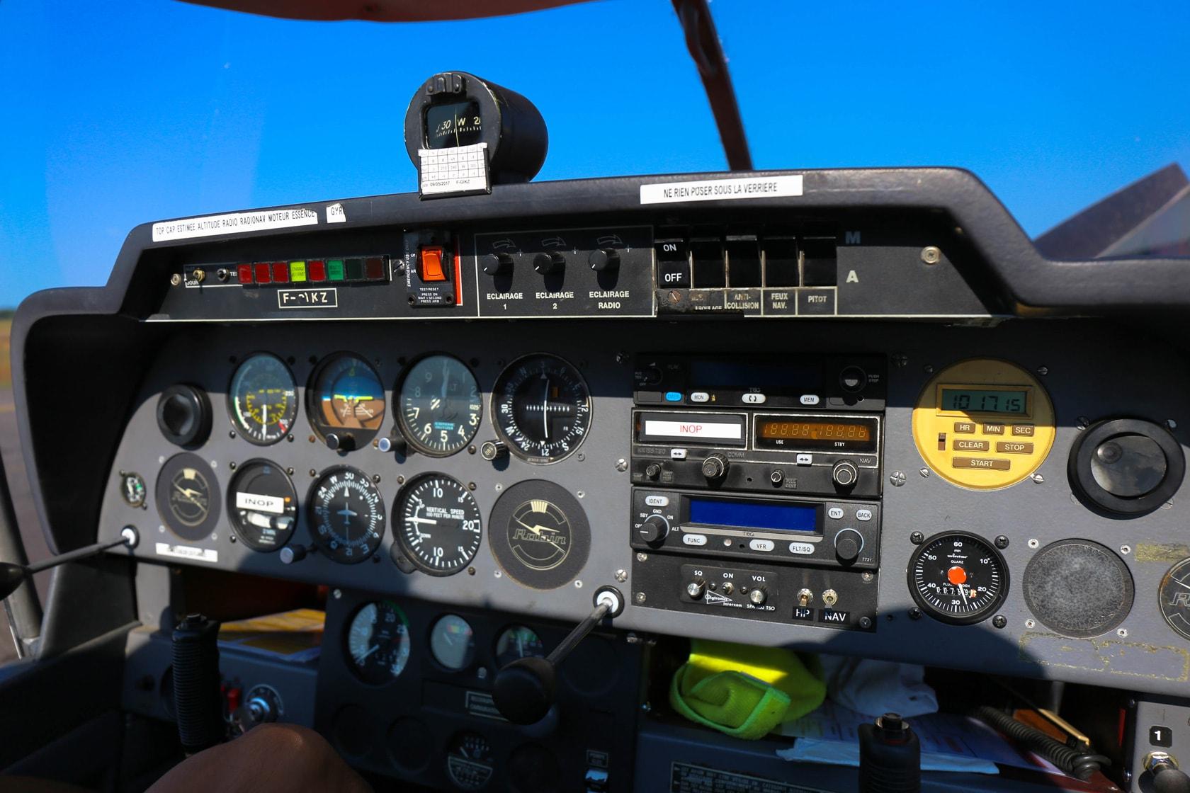 L'Aérodrome de Villemarie, robin DR400-120