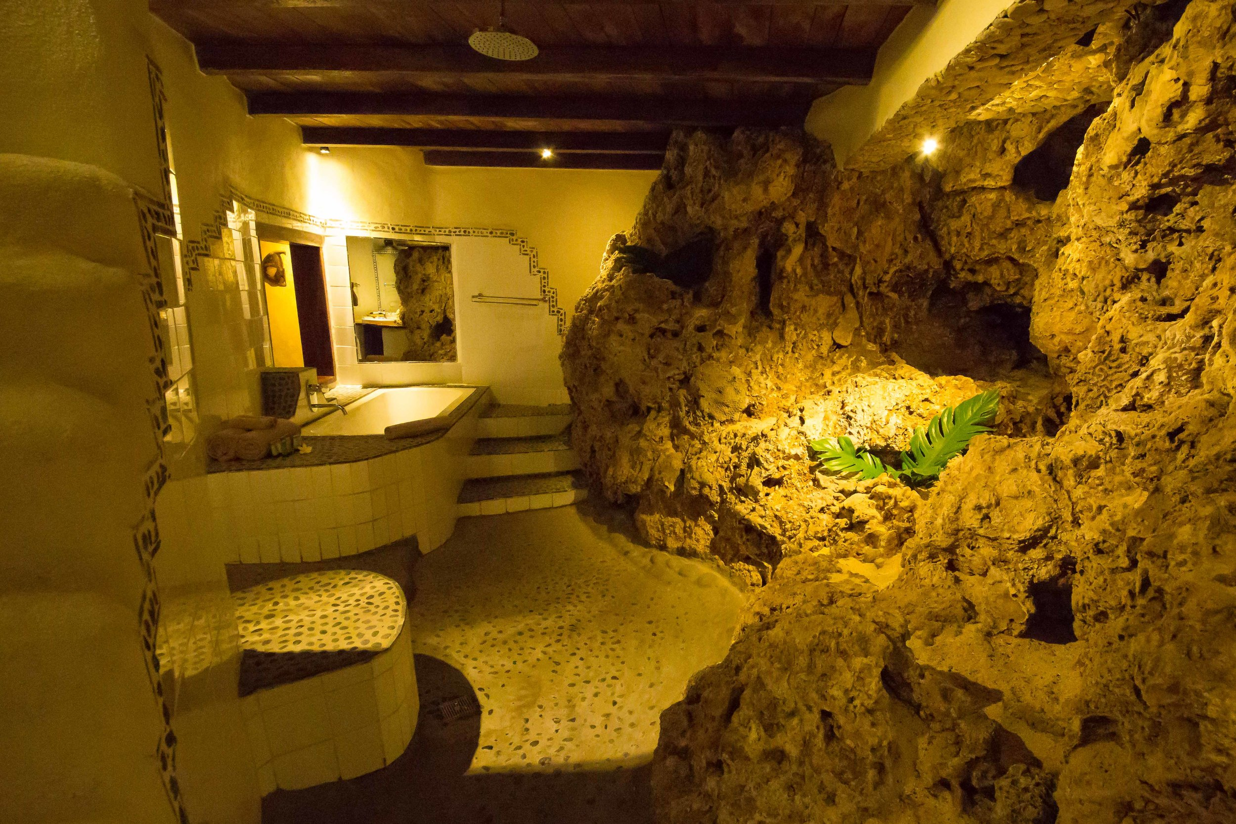 Rockwater Resort, Tanna, Vanuatu - Suite Bathroom