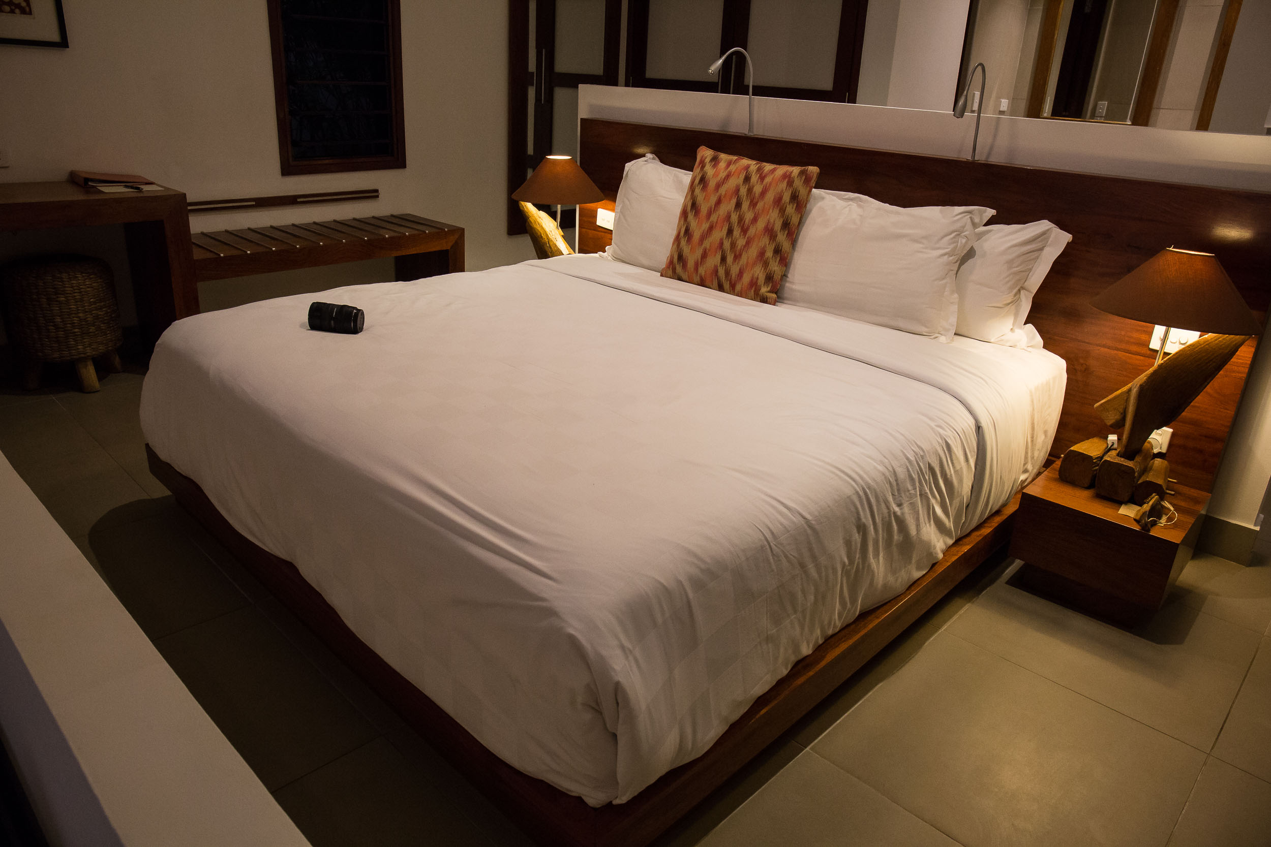 King bed, Waterfront Villa, The Havannah, Vanuatu