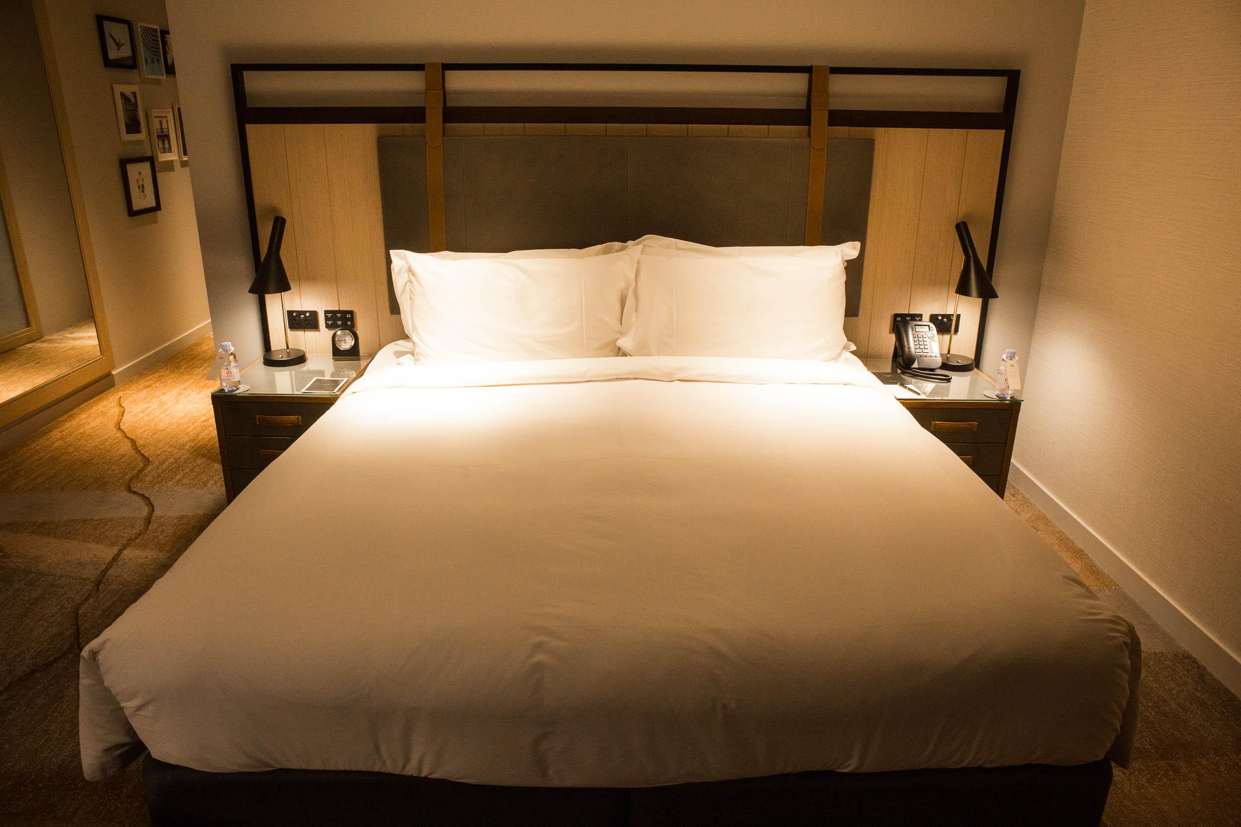 Sofitel Sydney Darling Harbour (Bed).jpg