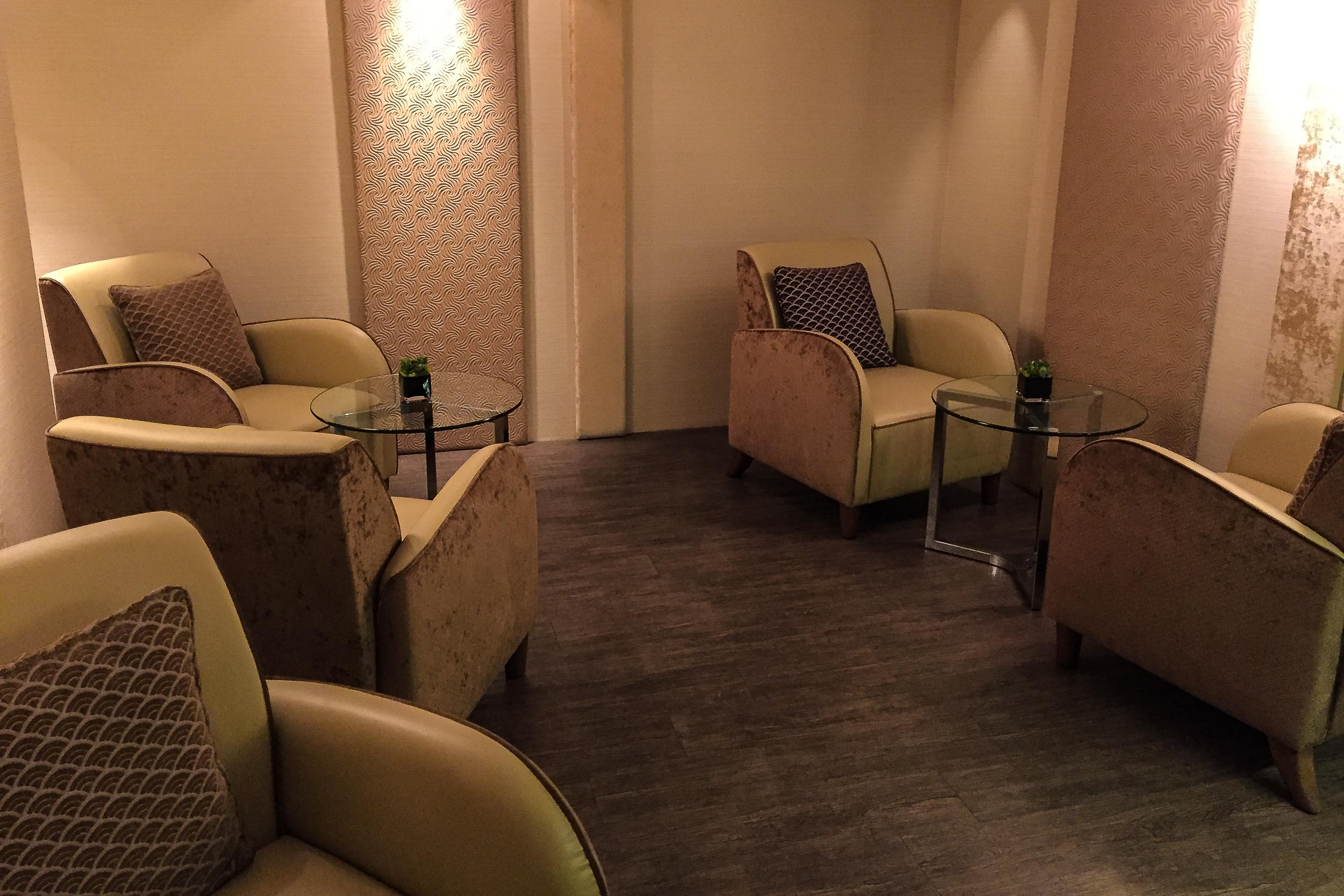 Post treatment area in the Spa at the Fullerton Hotel.jpg