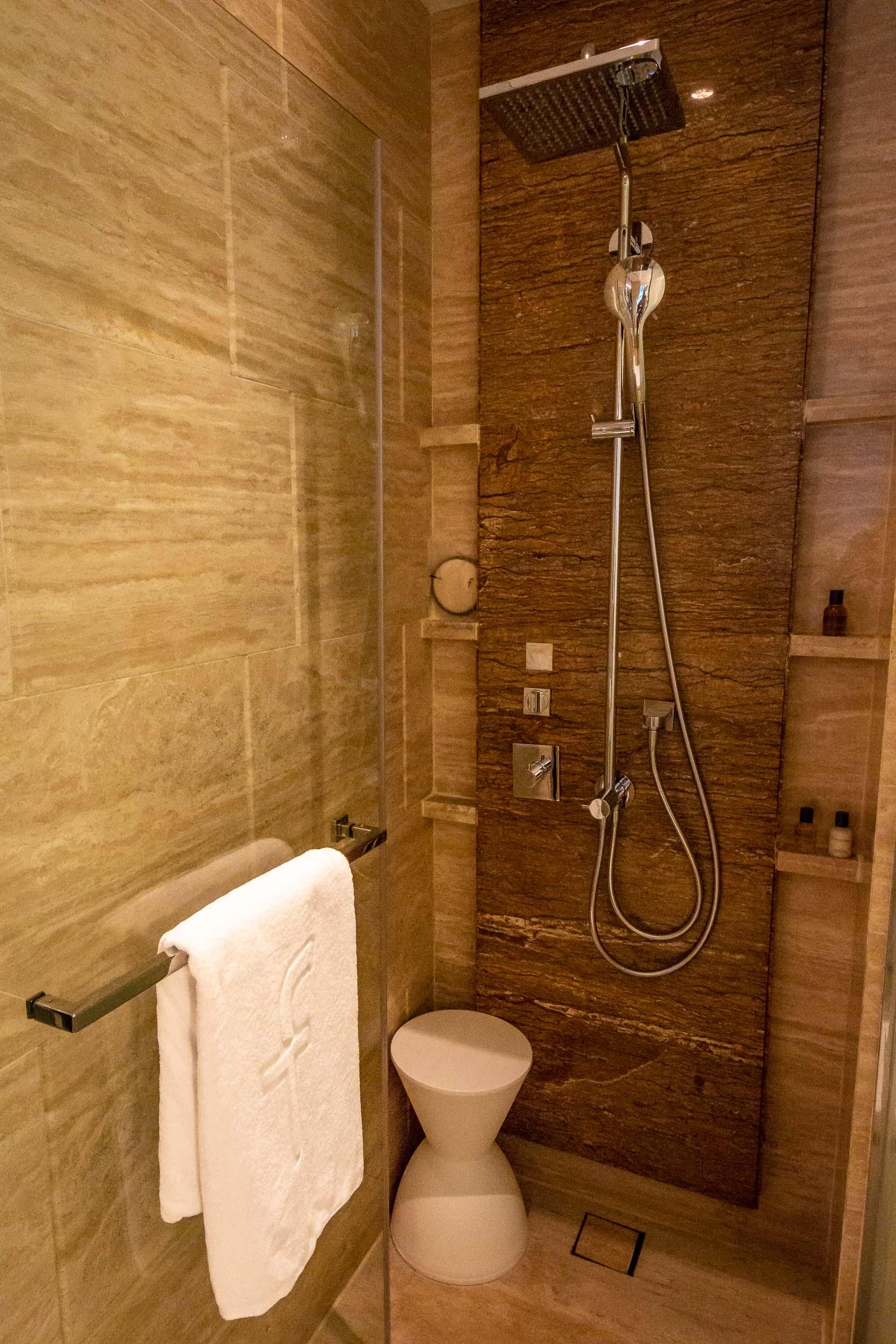Dual Showerheads, Fullerton Bay Hotel, Singapore