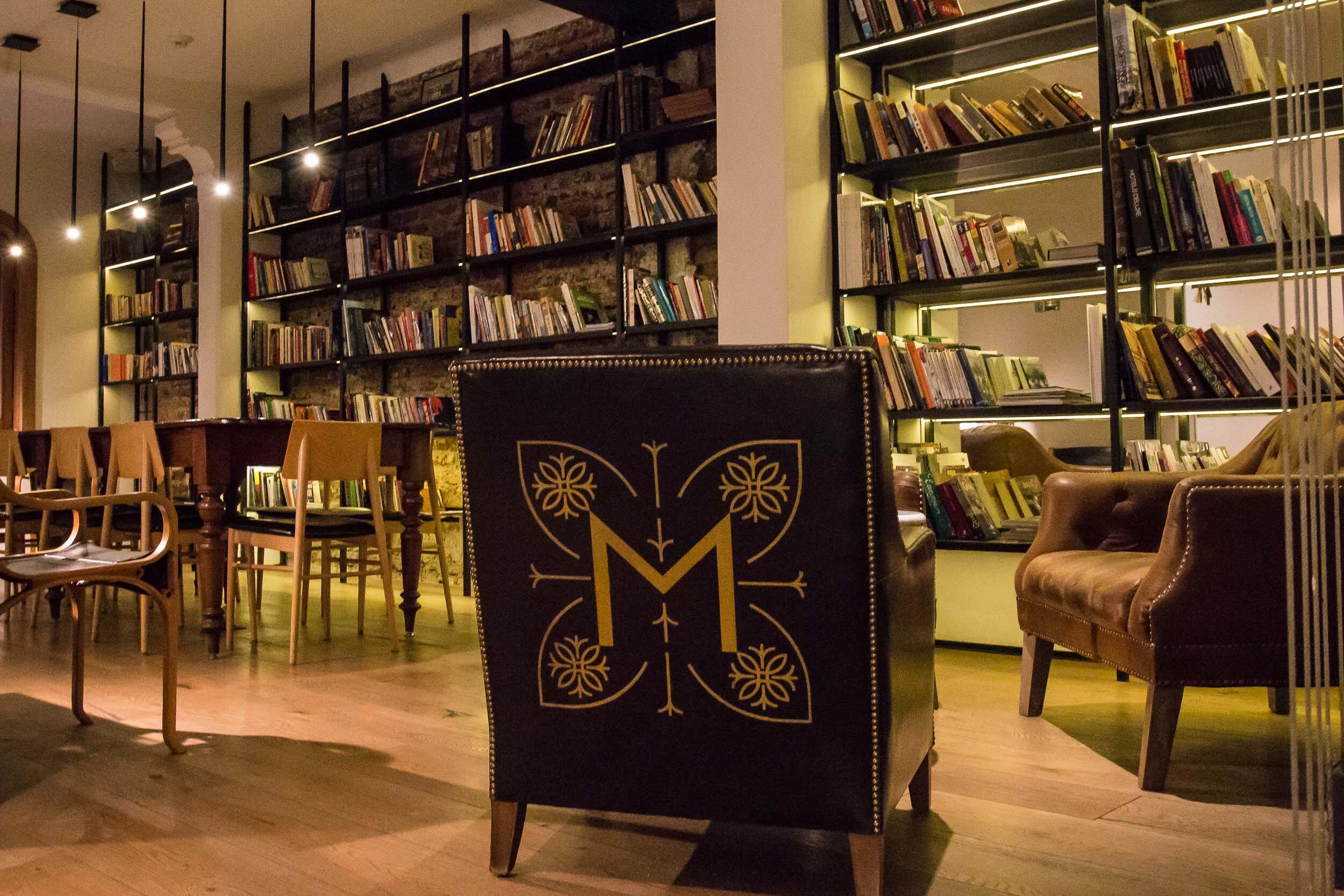 The Library, Hotel Magnolia, Santiago, Chile