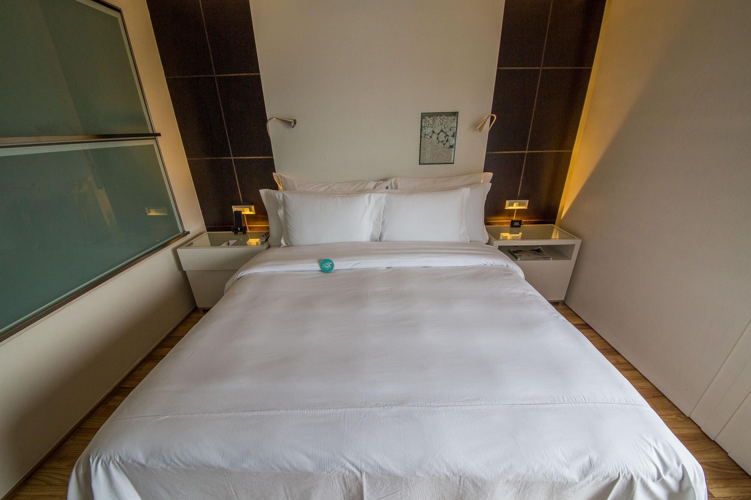 Queen bed, Hotel Unique, Sao Paulo, Brazil