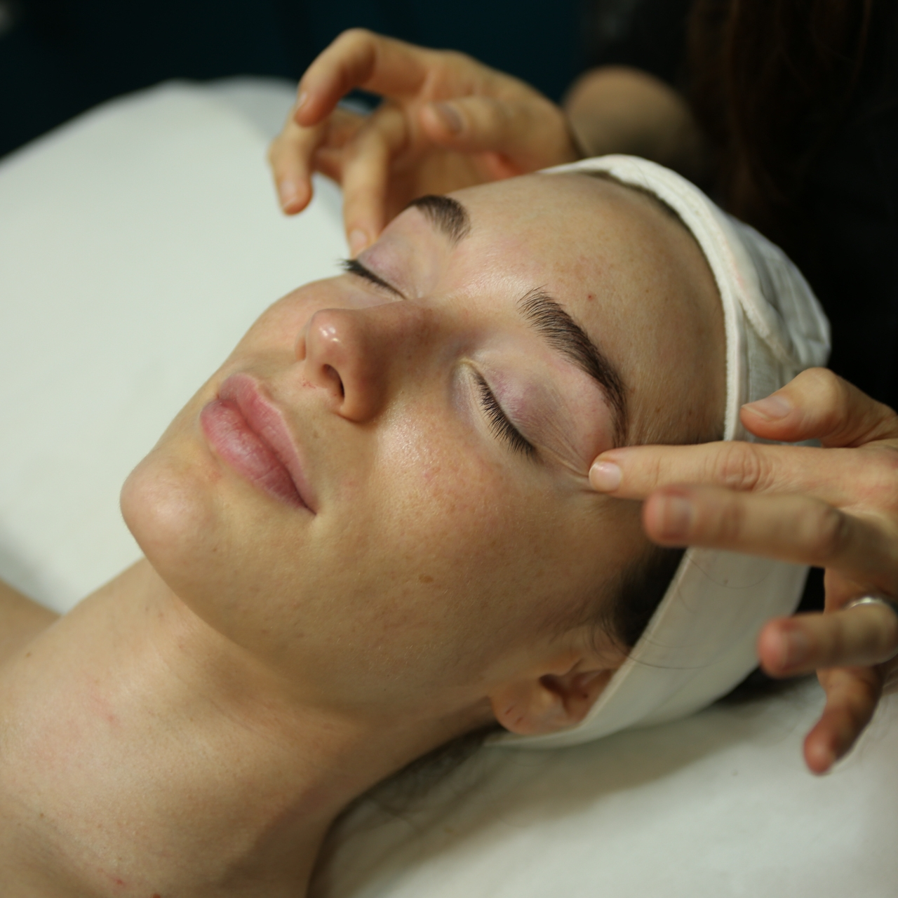 OSMOSIS PROFESSIONAL MEDI-INFUSION   Whether your goal is to reduce fine lines, improve skin tone and elasticity, or heal inflamed spots on your skin, our Osmosis Professional Medi-Infusion will leave your face feeling like new.  90-minute service: $120