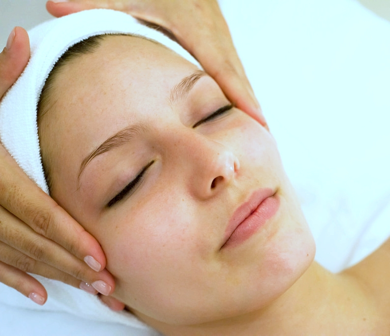 BRIGHTENING FACIAL   From green coffee & cranberries to chocolate & cherries, this indulgent treatment provides a surge of antioxidants to help ward off environmental pollutants. Brighten & restore your skin's suppleness with rich vitamins & nutrients. Add the Infusion boost to lift, firm & tighten the skin.  60-minute session: $85  90-minute session (Infusion Boost Add-On): $125