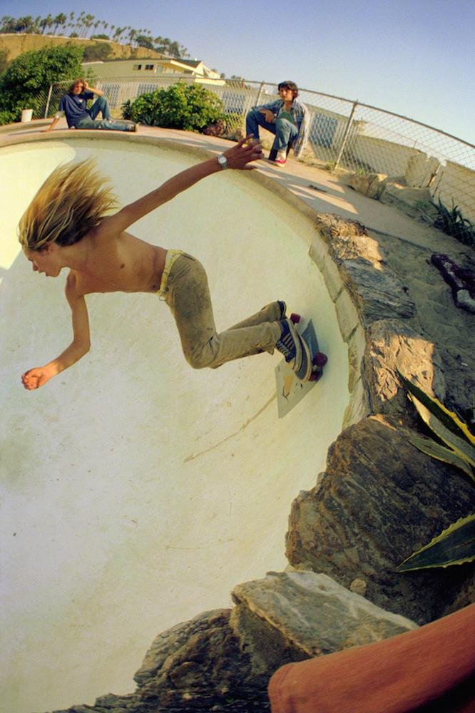 rediscovered-photos-of-the-70s-hollywood-skate-scene-body-image-1439399384.jpg