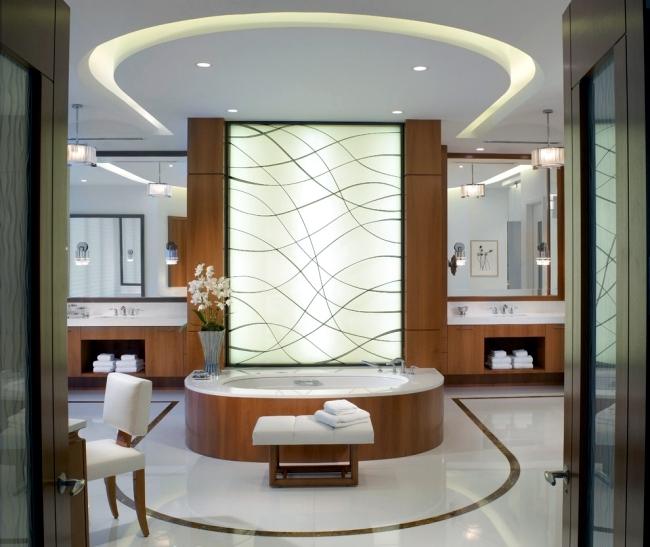 indirdeckeng-beleuchtung-im-badezimmer-als-deckengestaltung-und-wanddekoration.jpg