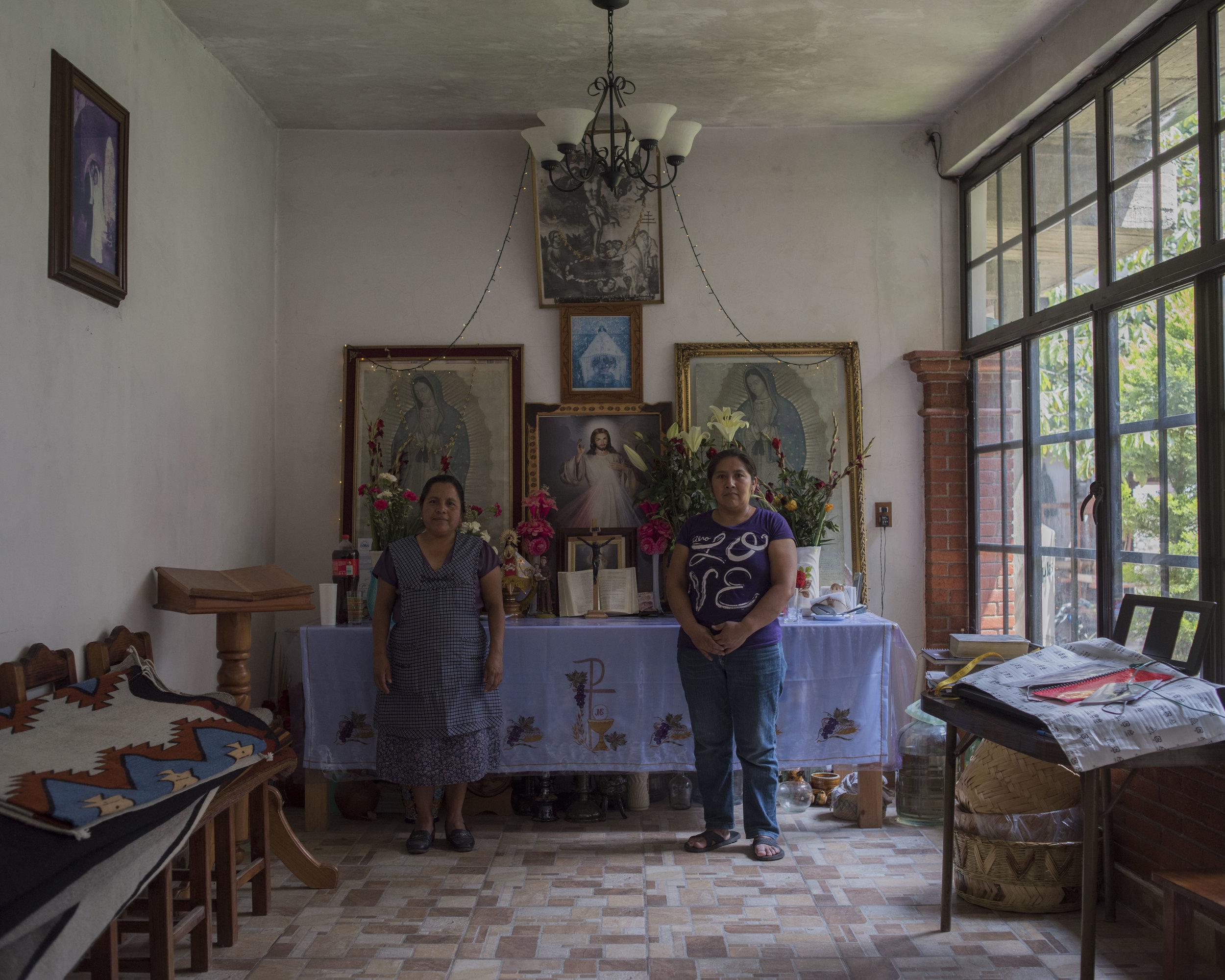 Fermina Ruiz Gutierrez & Guadalupe Mendoza Martinez, Teotitlan, OAX.