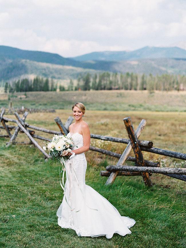lane_dittoe_devils_thumb_ranch_wedding_bride_91-1.jpg