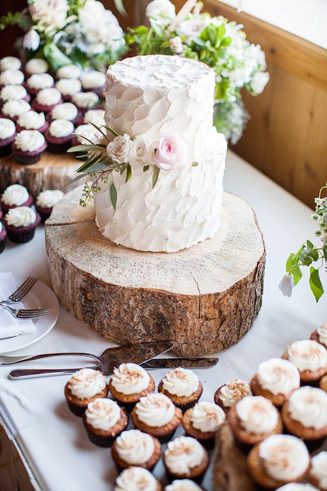 lane_dittoe_devils_thumb_ranch_wedding_cake_33.jpg