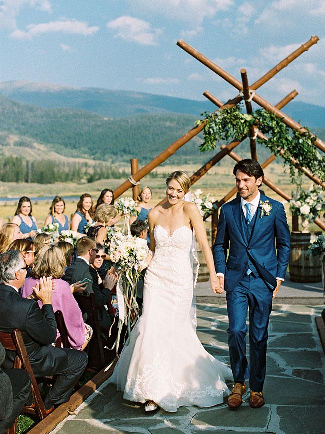 lane_dittoe_devils_thumb_ranch_wedding_ealking_down_the_aisle_3413.jpg