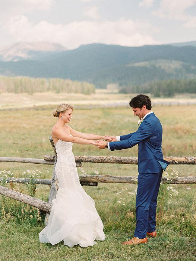 lane_dittoe_devils_thumb_ranch_wedding_first_look_2-1.jpg