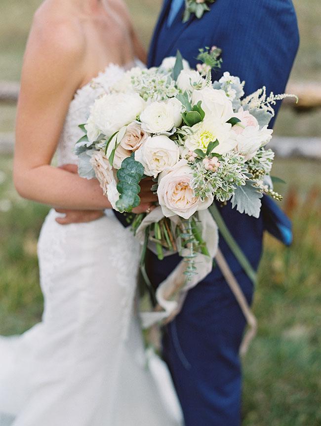 lane_dittoe_devils_thumb_ranch_wedding_florals_23-1.jpg